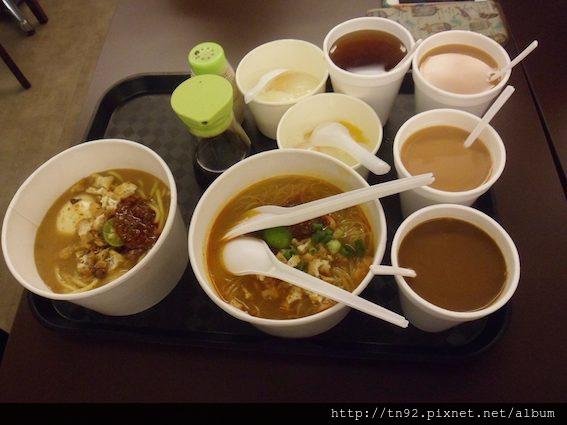 010 Breakfast 0529h