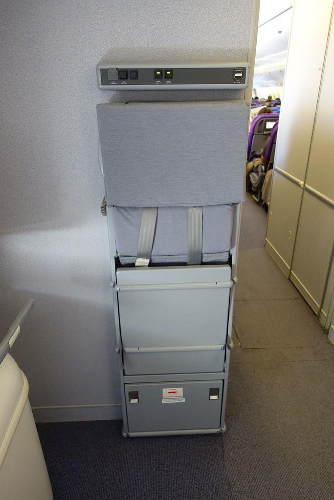 1011 DSC07192 Jump Seat