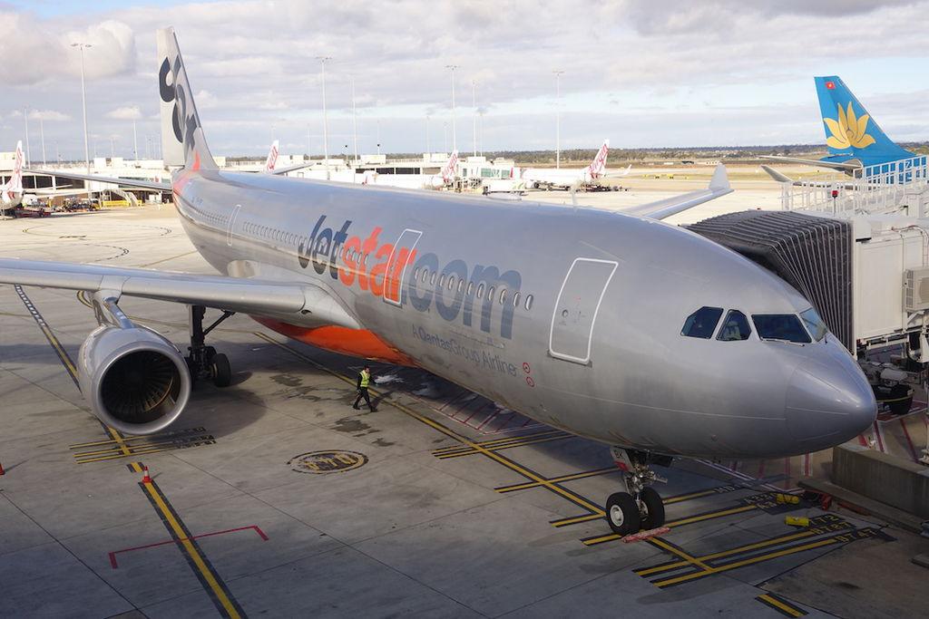 0949 DSC07530 VH-EBK A330-200 Transferred Back to Qantas Aug 2015.JPG