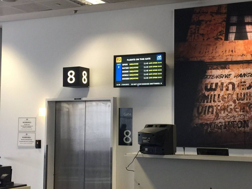 1036 IMG_3269 Boarding Gate 8 (QF35 and Codeshares).jpg