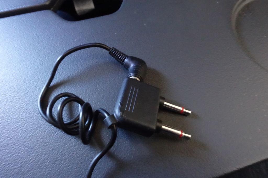 1350n DSC07635 1 or 2 Pins.JPG