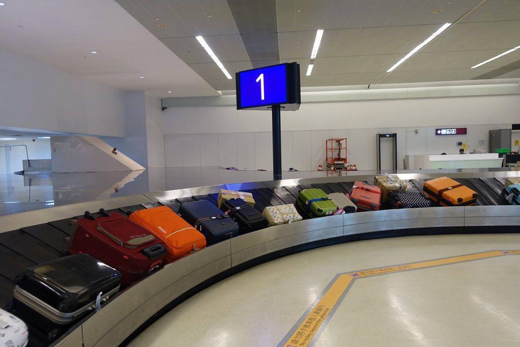 1605 DSC08336 Tidy Luggage.jpg