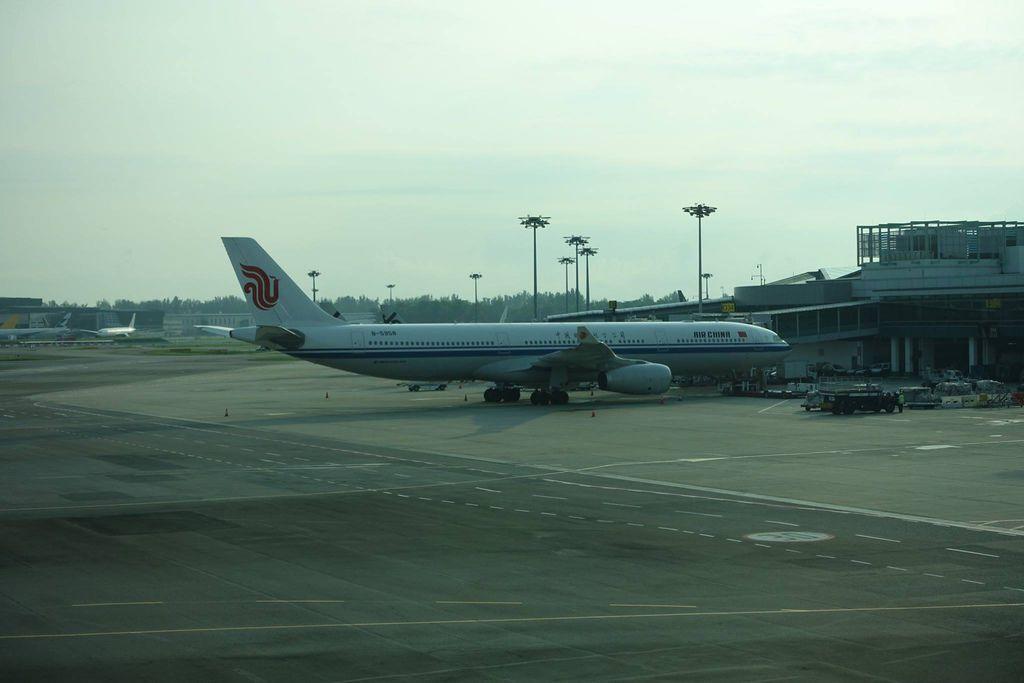 0809h DSC07731 B-5958 A333 CA975 CA976 SIN-PEK-SIN.jpg
