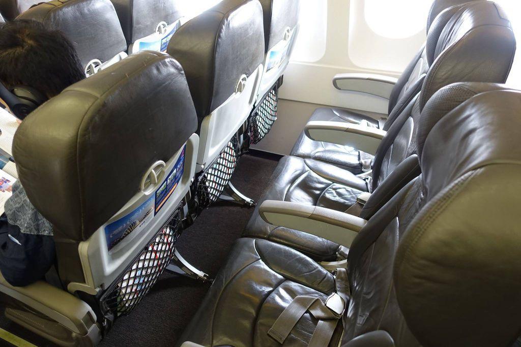 0925h DSC07748 Older Seats.jpg