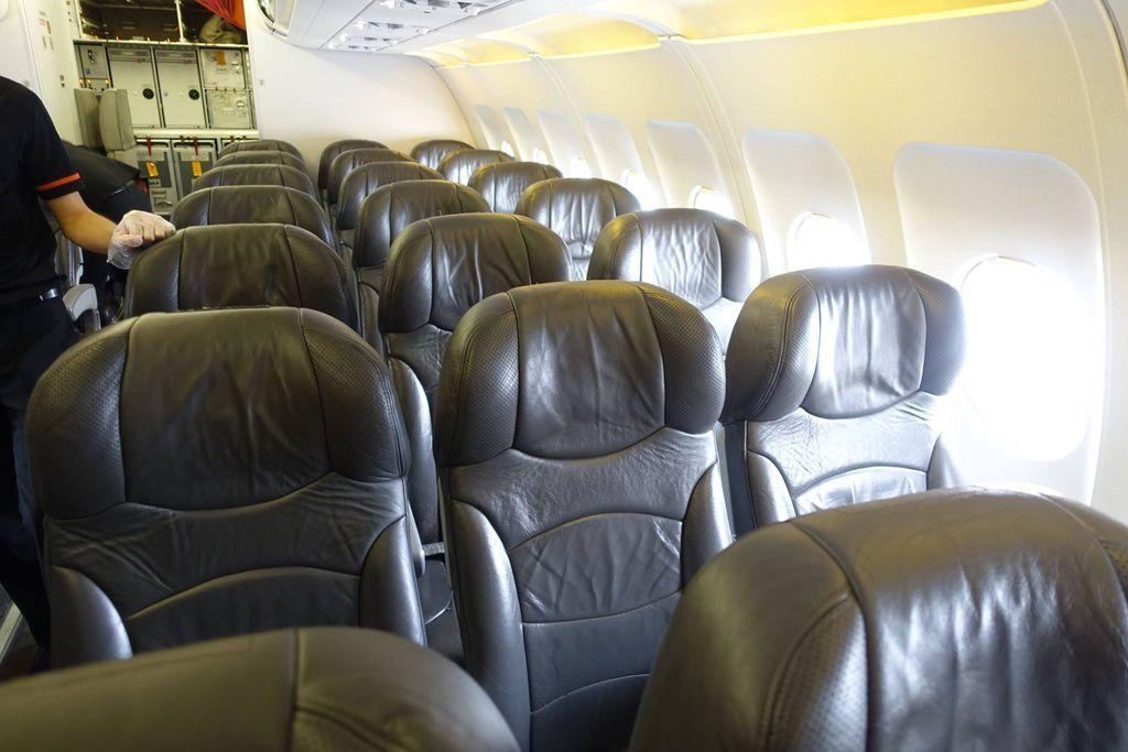 1047h DSC07789 View of Seats.jpg