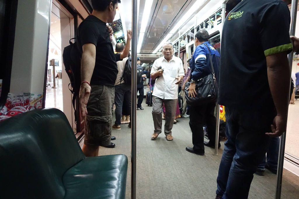 1100h DSC07811 Train Cabin.jpg