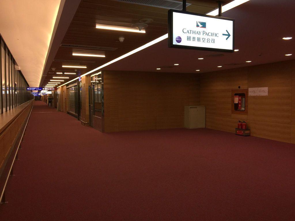 1141IMG_3725 Lounge Corridor.jpg