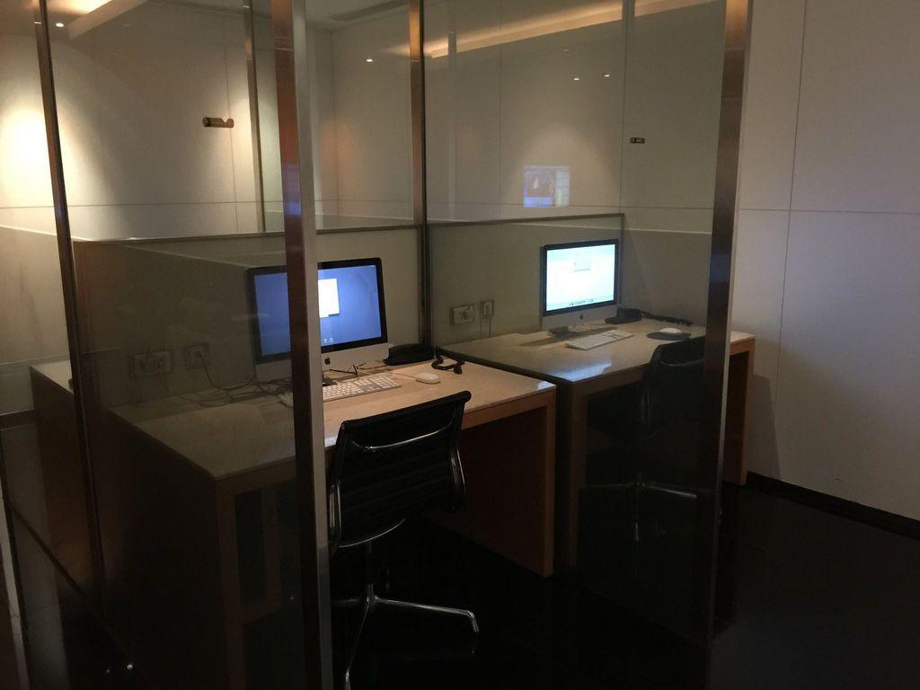 1144IMG_3721 Work Area.jpg