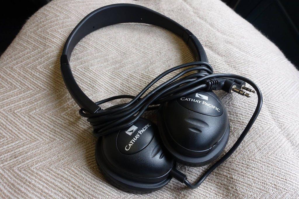 1355 1 DSC08416 Headset Unwrapped.jpg