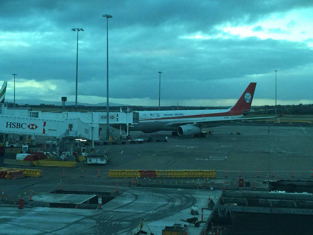 1706IMG_4302 Sichuan Airlines Flight 3U601 and 3U602 B-6517 A332 CTU-MEL-CTU