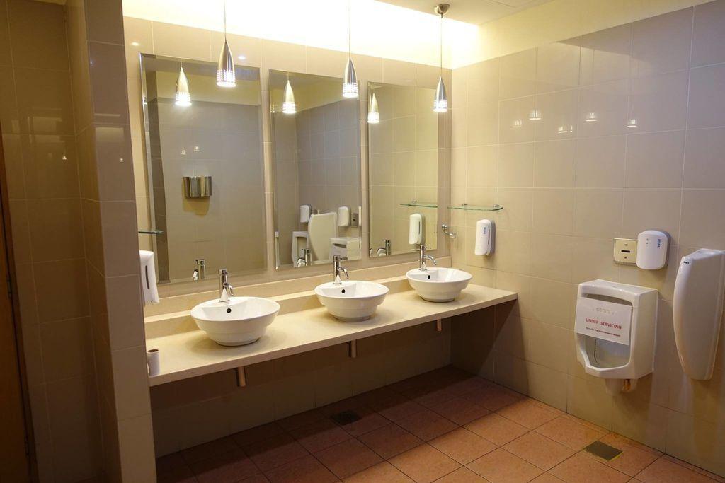 0851DSC09465 Toilet