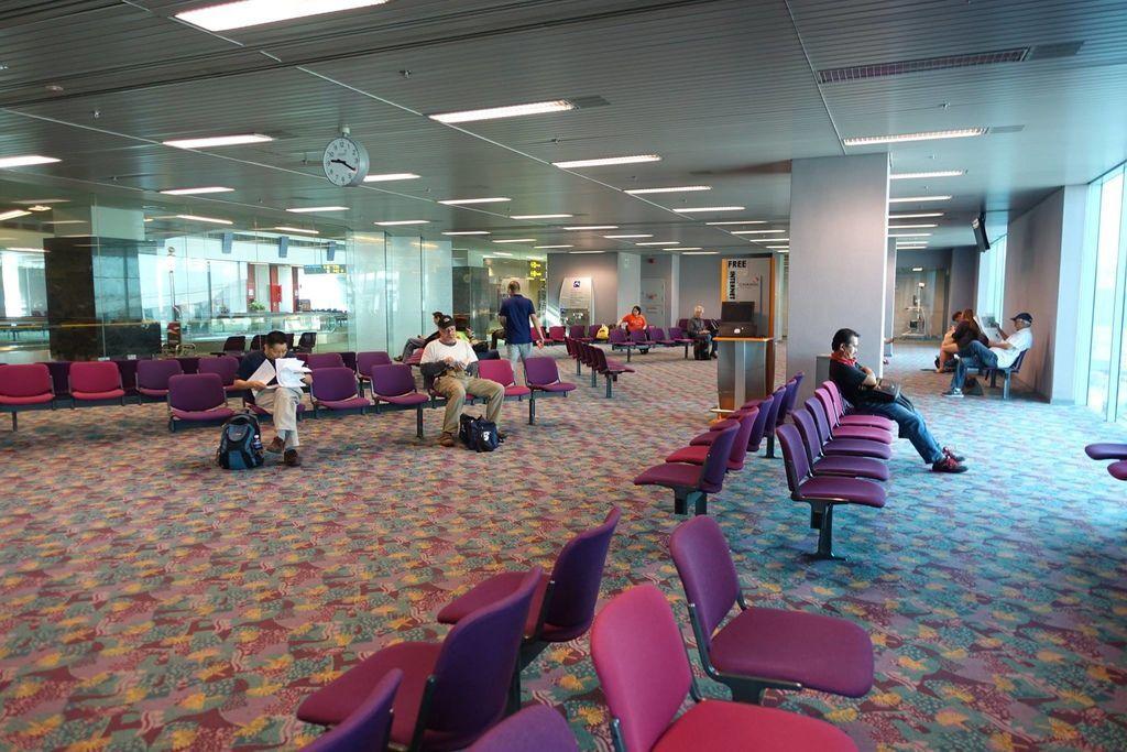 0923DSC09480 Boarding Lounge