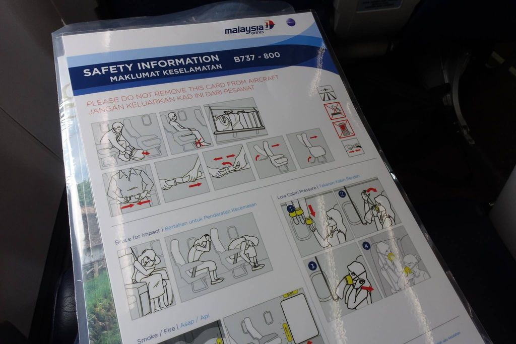1038DSC09552 DSC09494 Safety Card