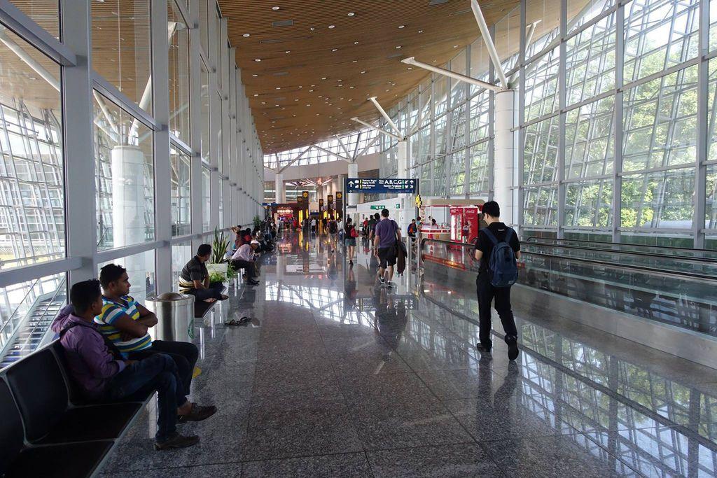 1112DSC09591 In The Terminal