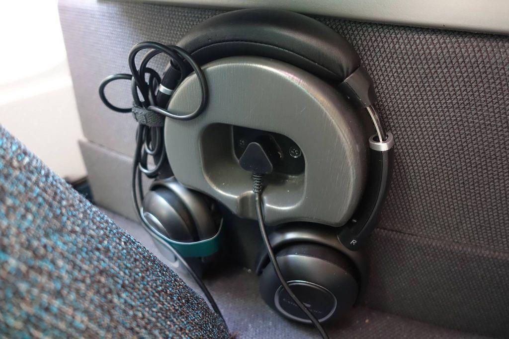 0702 02 DSC00001 Headphone