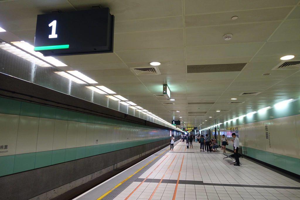 1014DSC00115 Underground
