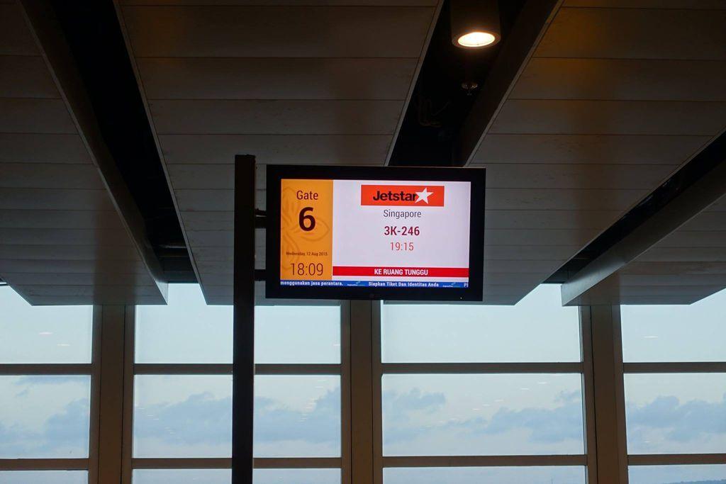 1809DSC00691 Flight Departure Info Board
