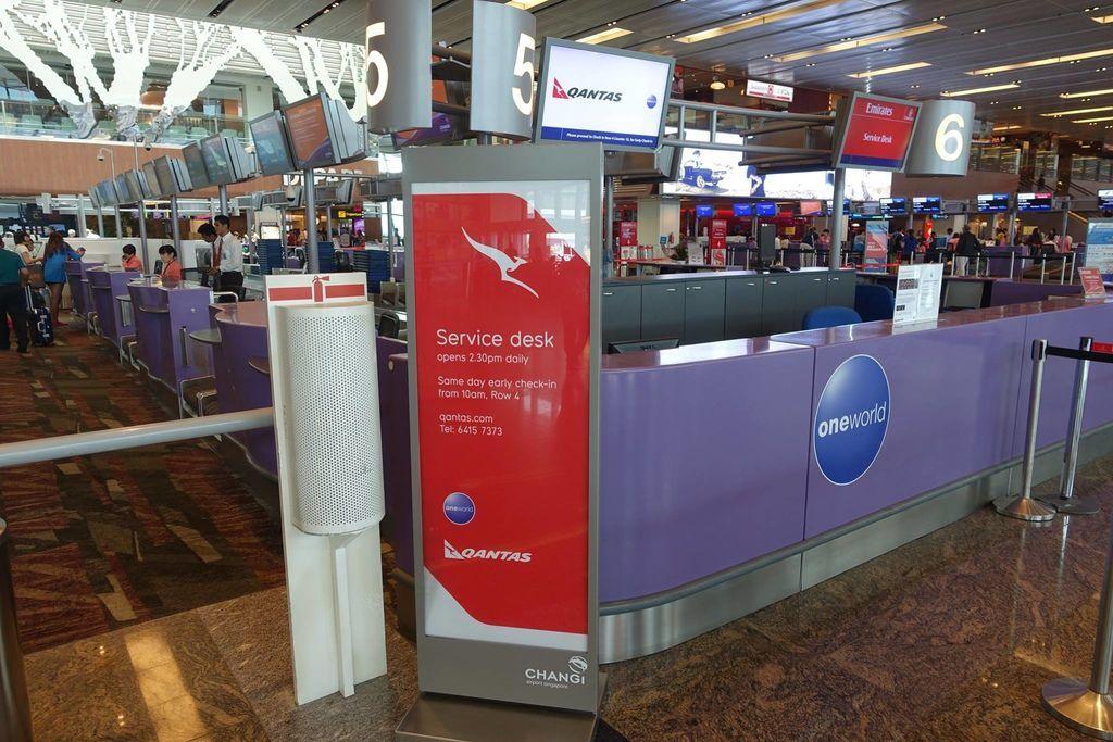 1202 DSC00949 Qantas Counter Opens 1430h