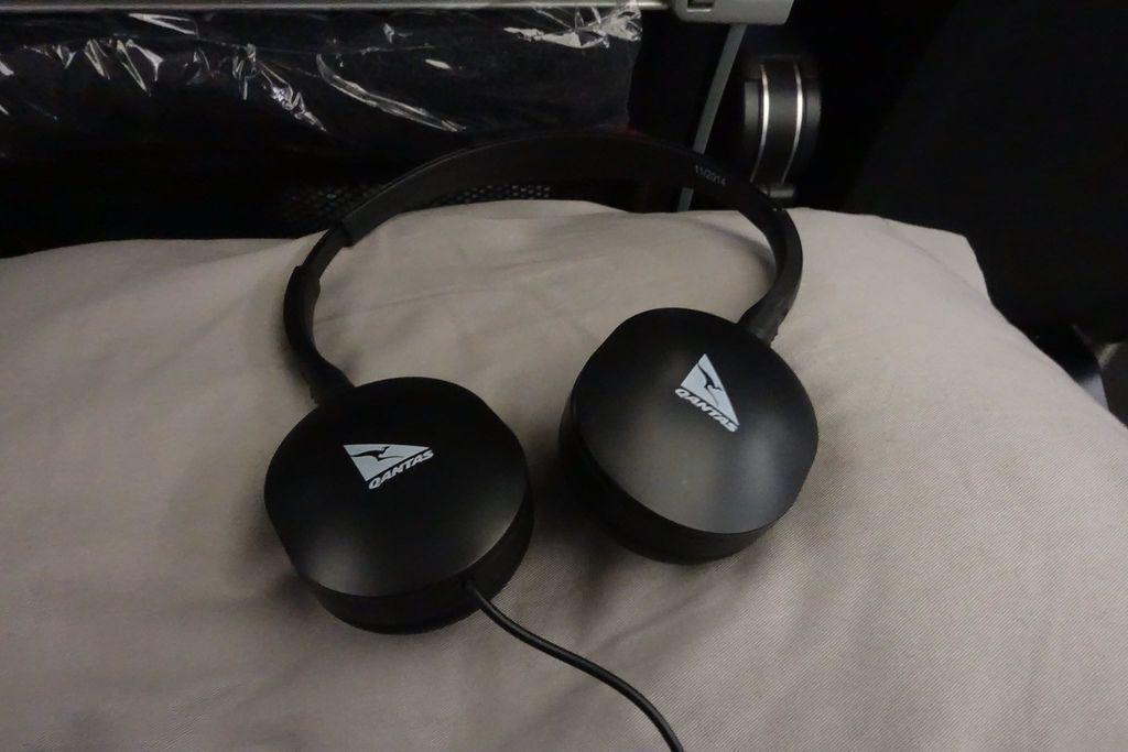 2119 DSC00975 Headphones