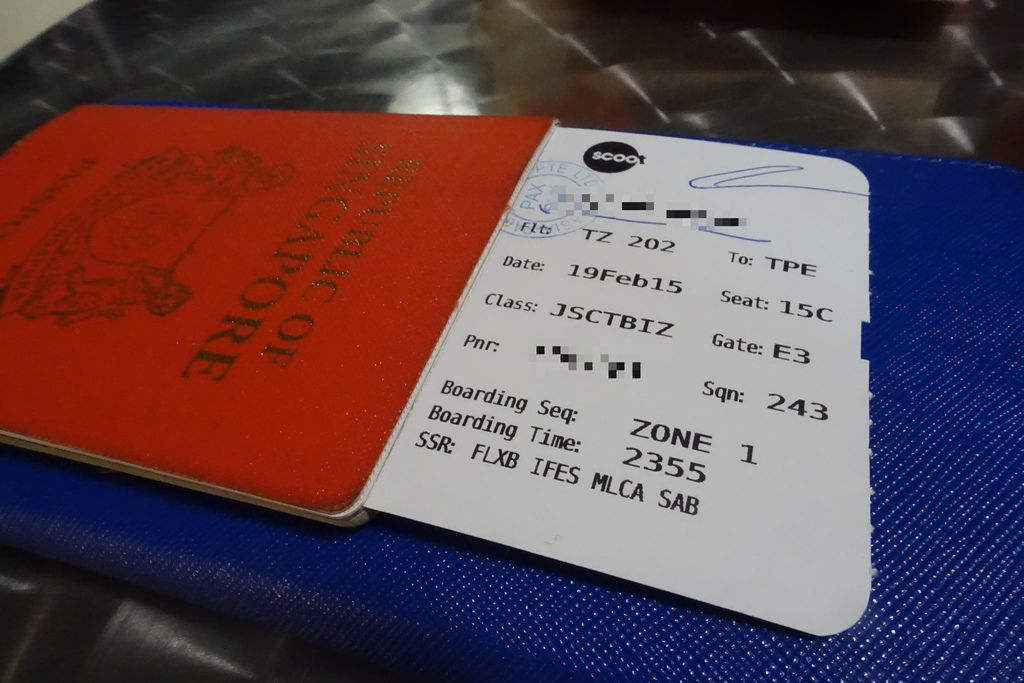 2330 DSC05684 Not Forgetting my Boarding Pass_Edited