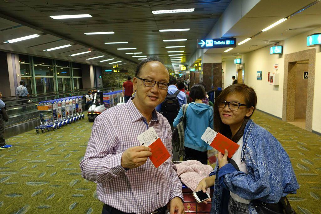 0016 DSC05701 Overseas for CNY