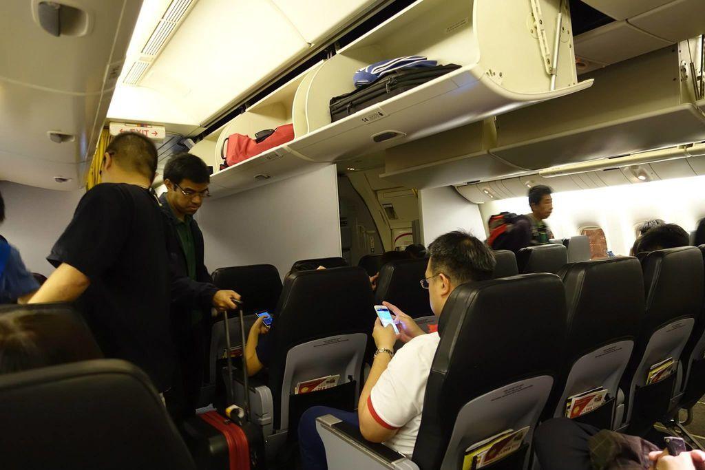 0042 DSC05714 Boarding Using One Door Only