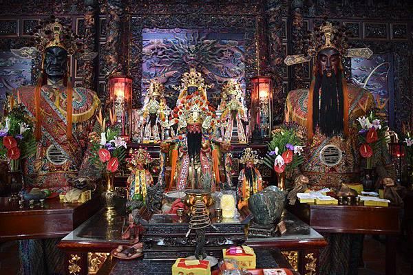 鎮轅境頂土地公正殿神像.jpg