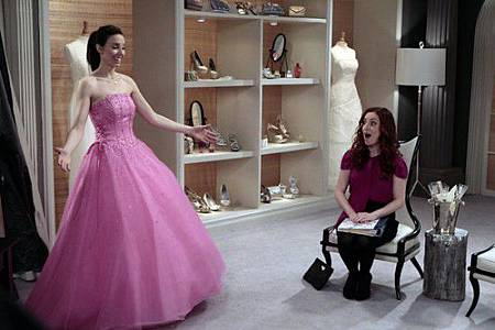 Whitney-NBC-Faking-It-Episode-12-550x366