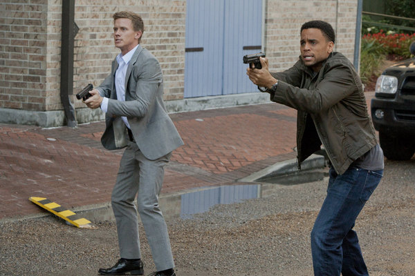 Michael-Ealy-and-Warren-Kole-in-COMMON-LAW-Episode-1.06-Performance-Anxiety-3