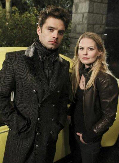 once-upon-a-time-1-17-emma-kidnapped-by-mad-hatter