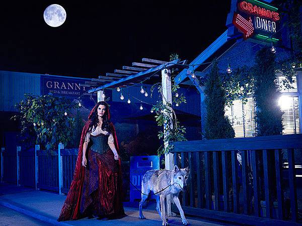 Once-Upon-a-Time-Season-2-Cast-Promotional-Photos-once-upon-a-time-32308600-660-495