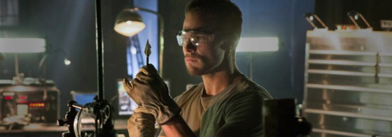 stephen-amell-in-arrow-pilot-the-cw