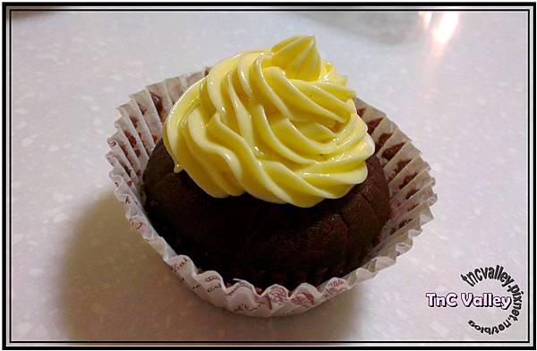 wacky cupcake 013