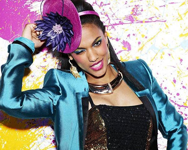 Freema-Agyeman-in-THE-CARRIE-DIARIES-Season-1-Promo