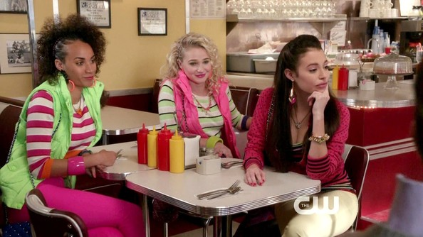 Chloe+Bridges+Carrie+Diaries+Season+1+Episode+5_pYStXibBYl