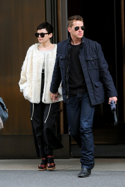 Ginnifer-Goodwin-and-Josh-Dallas-Holding-Hands
