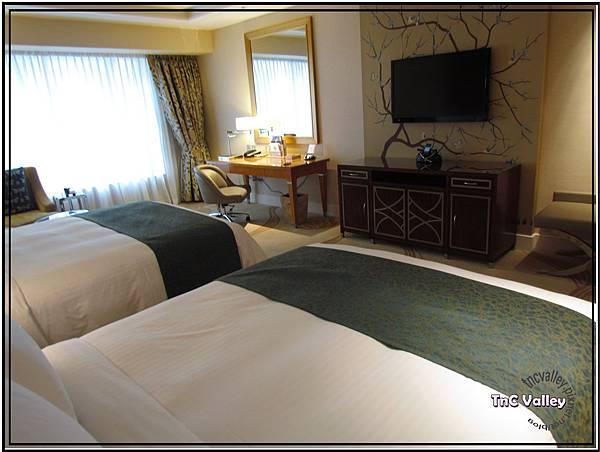 conrad room 005