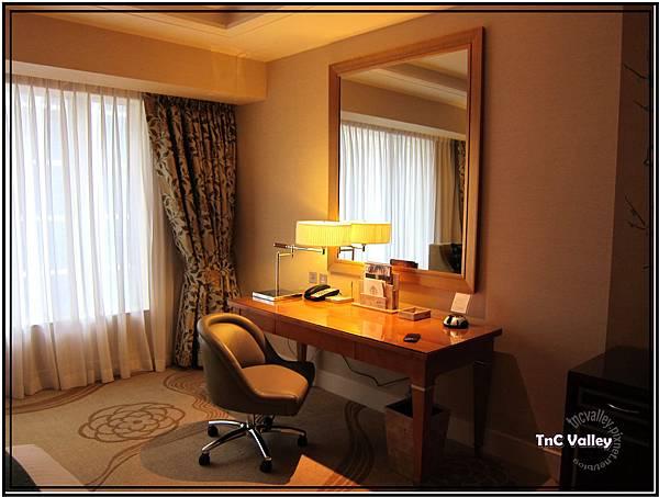 conrad room 007