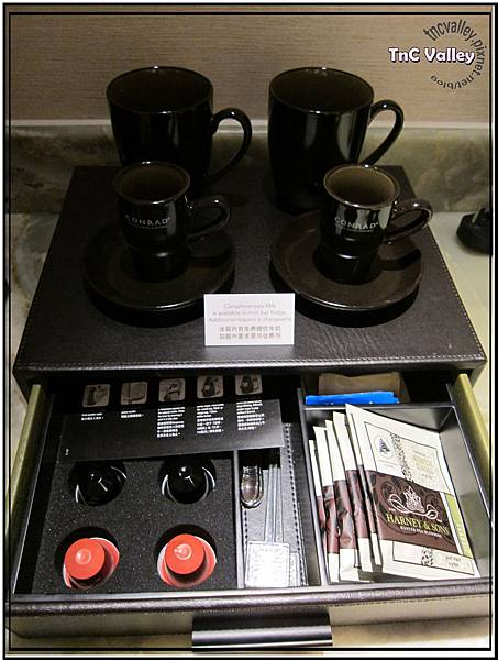 conrad tea 002