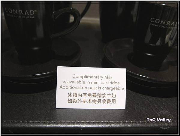 conrad tea 003