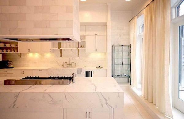 Gwyneth-Paltrows-loft-kitchen1-611x395.jpg