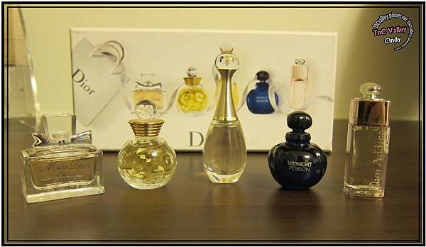 perfume 002.jpg