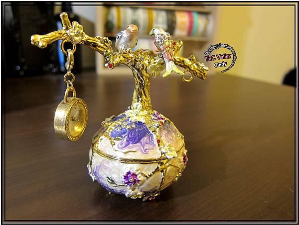 perfume 003.jpg