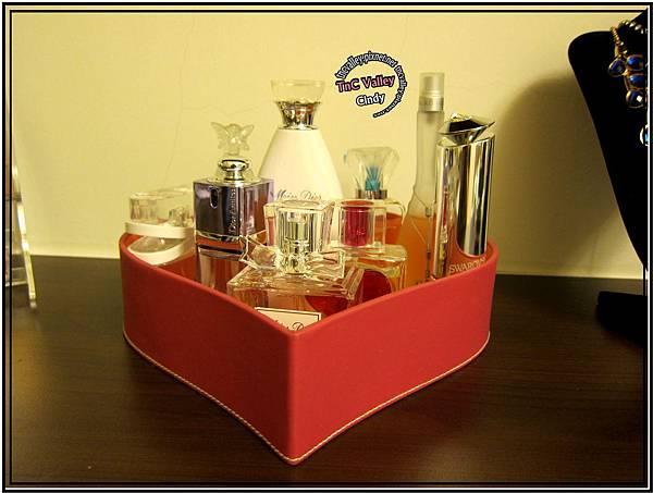 perfume 011.jpg