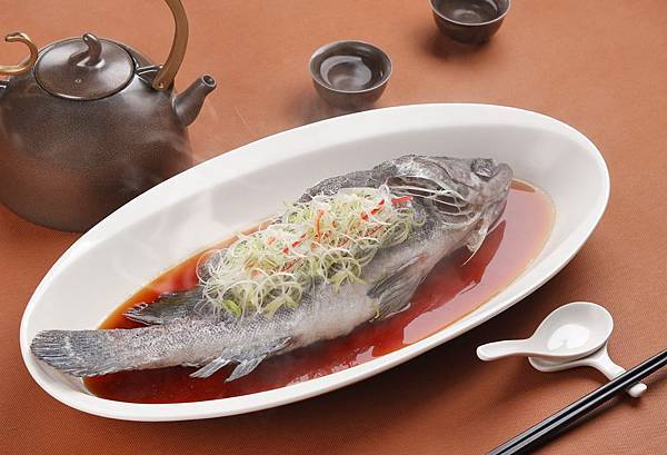 4.彩豐樓-12月主廚特惠-石斑魚100元.jpg