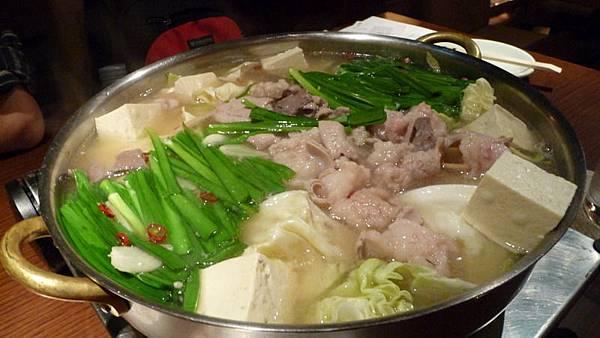 札幌吃到博多的大腸鍋.JPG