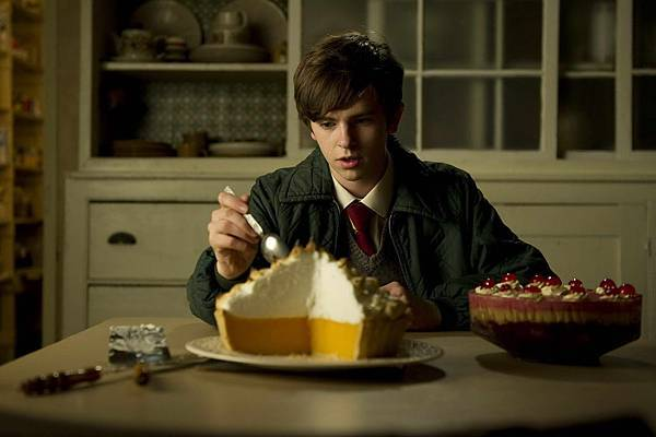 T-740 FREDDIE HIGHMORE as Nigel Slater.jpg