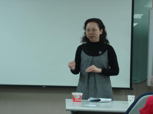 09 Table Topics Speaker - Wendy Lin.JPG