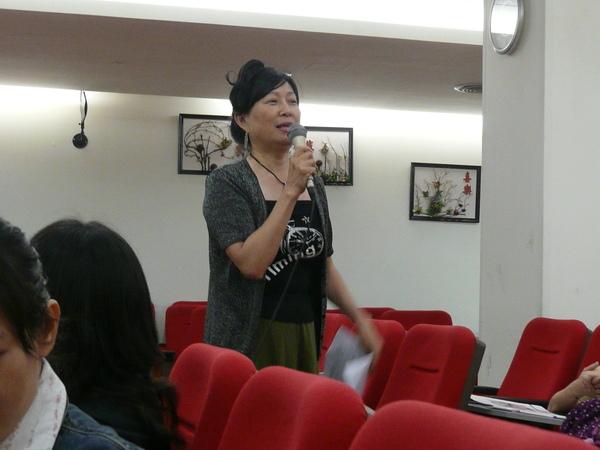 40 Libby's talk.JPG