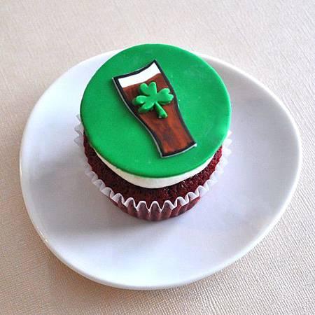 St partrik cup cake-1